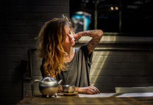 Qué hacer si hay malas vibras en tu entorno: Objetos y rituales que te protegen