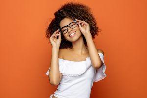 5 estilos de monturas de lentes que estén en tendencia y que consigues en Amazon
