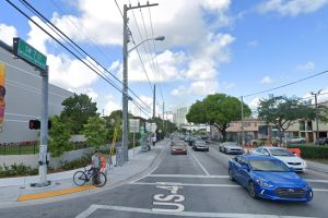 Un joven hispano pierde una pierna en Miami tras ser atropellado por un vehículo que se dio a la fuga
