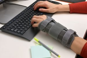 5 guantes y férulas para recuperarte de una lesión de muñeca