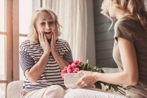8 estilos de carteras casuales por menos de $40 para regalar el Día de las Madres