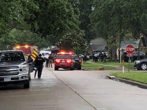 Una denuncia llevó a descubrir 90 personas en una casa de Texas en un caso aparente de tráfico humano