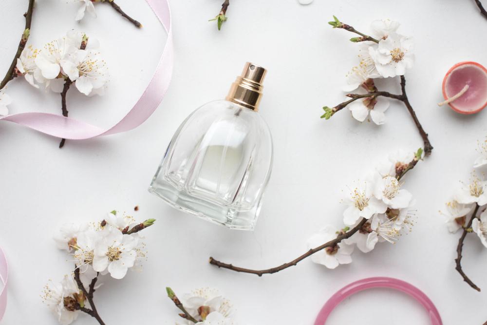 Encantadores perfumes con notas dulces y flores para regalar este día dan especial