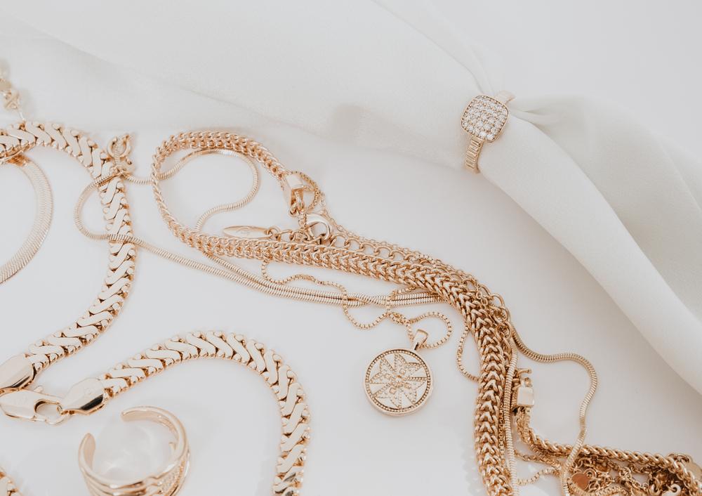 Pulseras, relojes y collares espectaculares y elegantes para regalar este Día de la Madre.