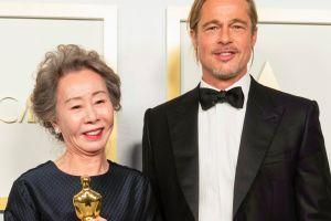 Yuh-Jung Youn da una respuesta magistral a la pregunta de ¿cómo huele Brad Pitt?