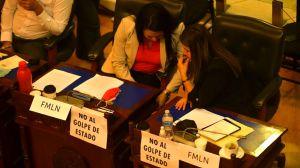 La respuesta de los jueces en El Salvador destituidos por la Asamblea controlada por Nayib Bukele y las duras críticas de la comunidad internacional