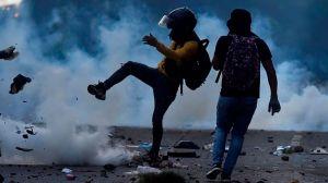 Las imágenes que dejan los violentos enfrentamientos entre manifestantes y policía en Colombia