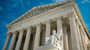 La Corte Suprema de EE.UU. estudia el caso que puede acabar con la interrupción voluntaria del embarazo