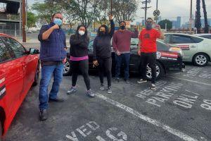 Voluntarios patrullan las calles del sur y este de Los Ángeles