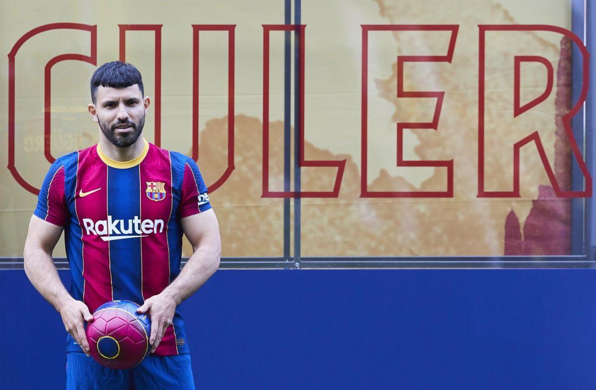 El Kun afirmó que está emocionado por jugar con Lionel Messi.
