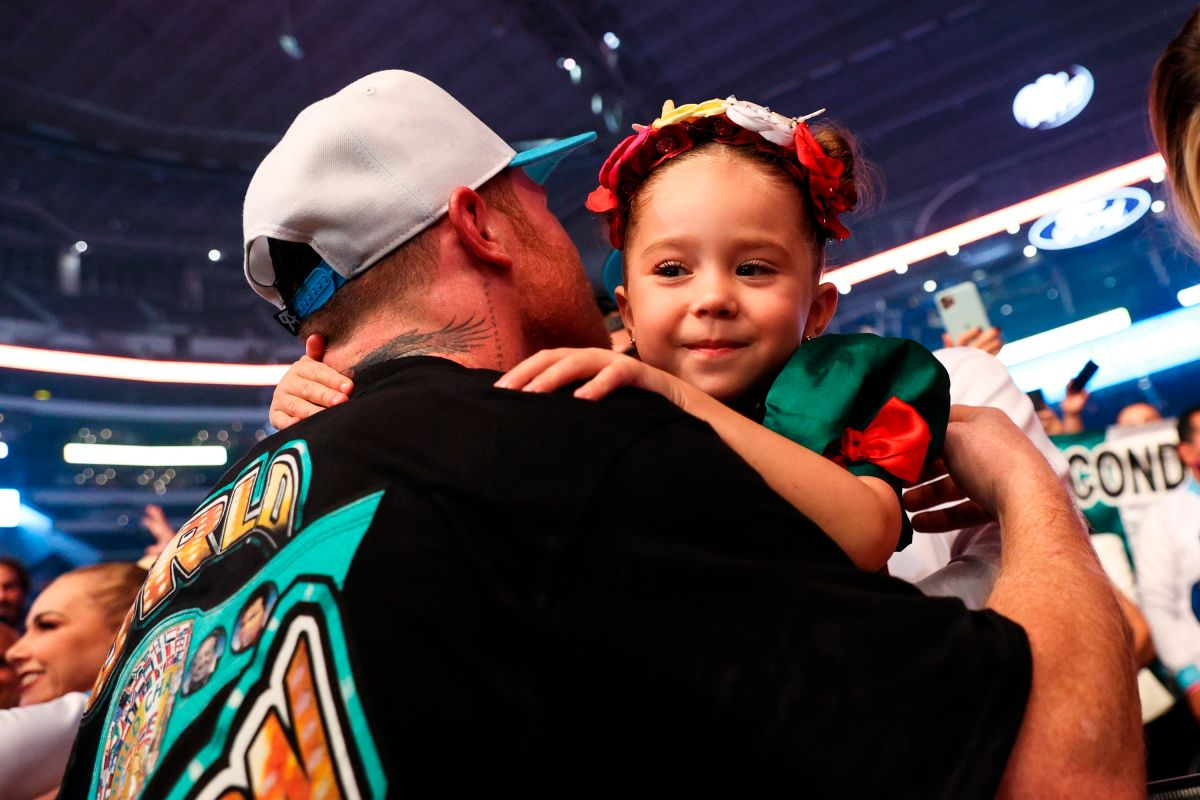 Video: Canelo celebró con su familia tras la victoria contra Saunders