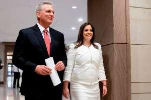Republicanos de la Cámara de Representantes eligen a neoyorquina Elise Stefanik como sustituta de Liz Cheney para presidir la Conferencia