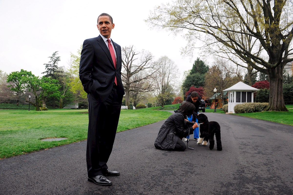 """Barack Obama con """"Bo"""""""