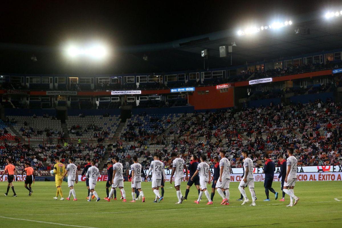 Insólito: Paralizan partido Pachuca-América porque se fue la luz en el estadio