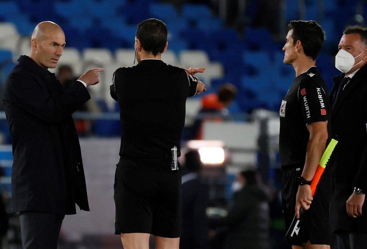 """Zidane: """"El árbitro no me ha convencido en nada"""""""