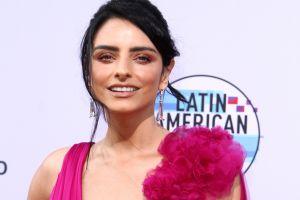 """Aislinn Derbez es criticada por pintarle el pelo a su hija """"como una sirena"""""""