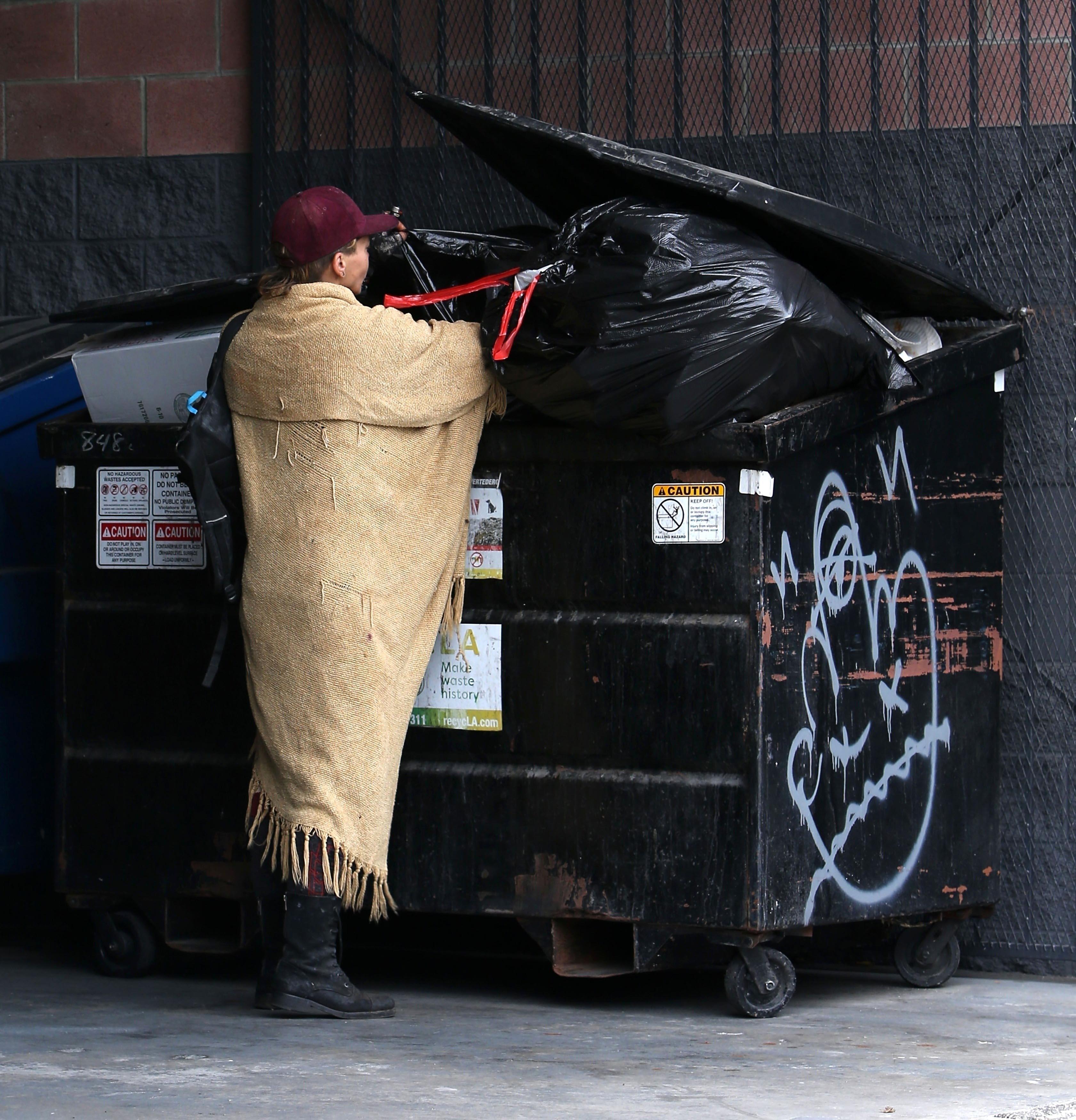 Paparazzi capta a Loni Willison deambulando en las calles. / The Grosby Group