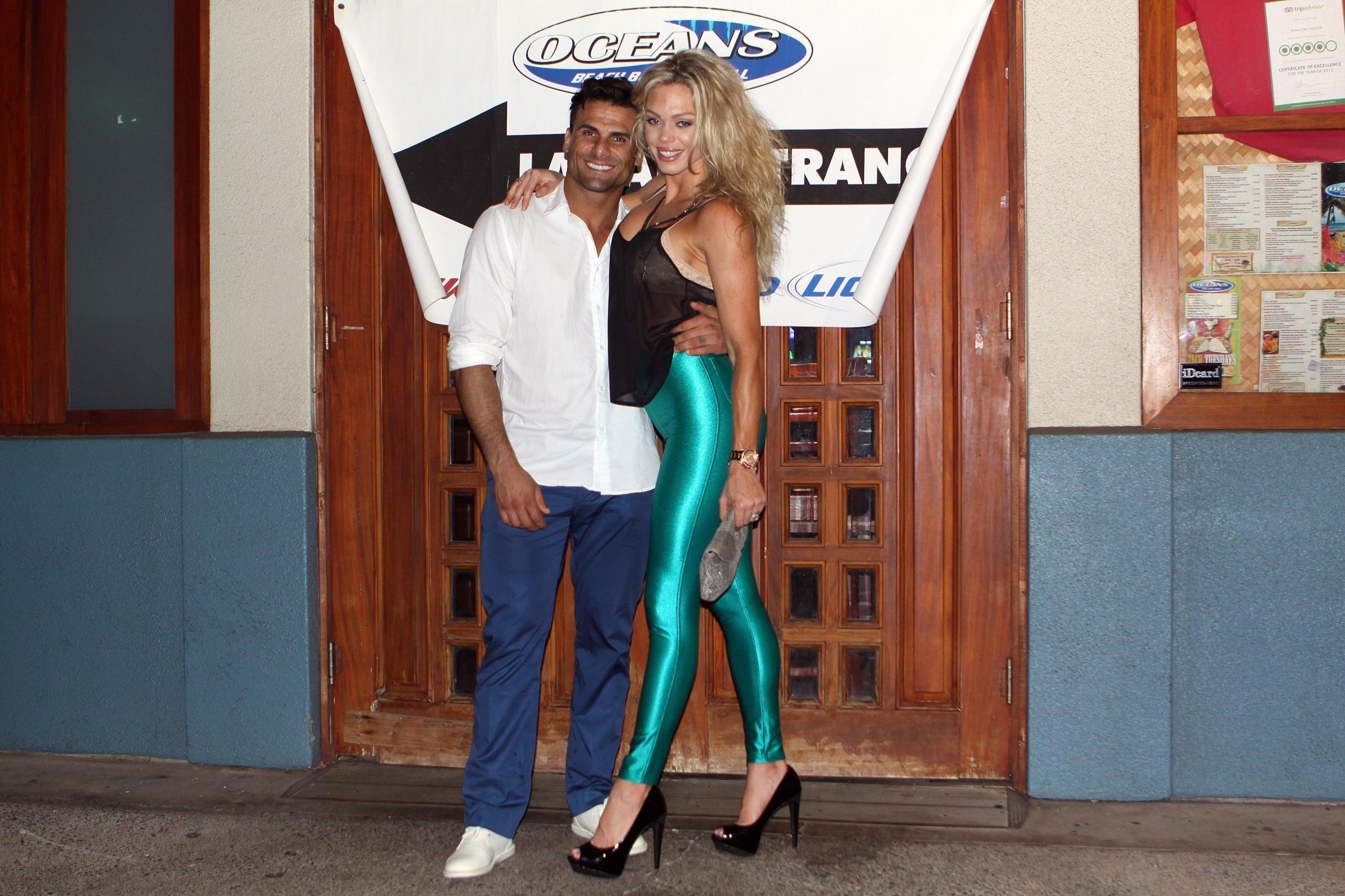 En la imagen aparece Loni Willson junto a quien fuera su esposo el actor de Baywatch, Jeremy Jackson. /The Grosby Group