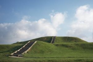 """Cahokia, la megaciudad perdida de Estados Unidos fundada para """"fiestas salvajes"""""""
