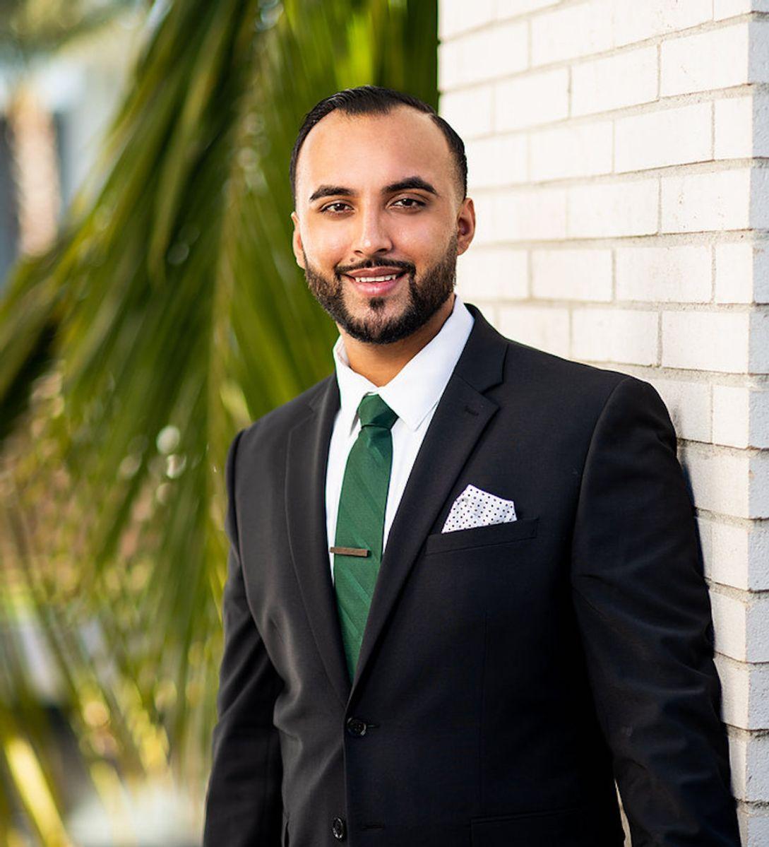 Compton a un paso de elegir al primer alcalde latino de su historia