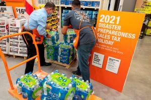 Florida extiende el plazo de venta de suministros sin impuestos por la temporada de huracanes