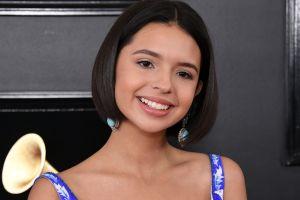 Angela Aguilar sorprende a sus fans con vestido de novia