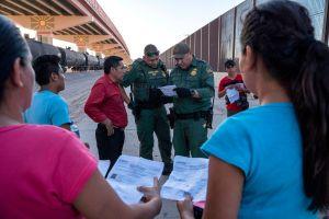 Más de 8,000 inmigrantes enviados a México pudieron volver a EE.UU.