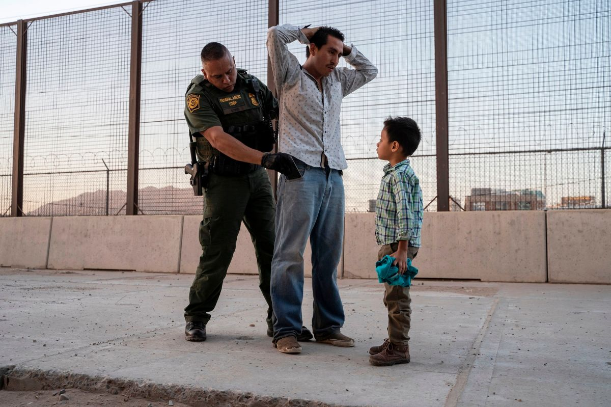 Administración Biden arranca reunificación de familias separadas por Trump