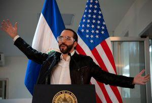 """Estados Unidos expresa a Nayib Bukele su """"profunda preocupación"""" por las destituciones en El Salvador"""