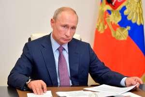 """Vladimir Putin advierte que Rusia se defenderá de quienes tienen """"planes agresivos"""""""