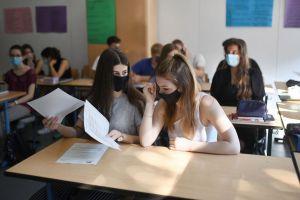 Estudiantes universitarios indocumentados podrán acceder a ayuda económica por pandemia, anunció la Casa Blanca
