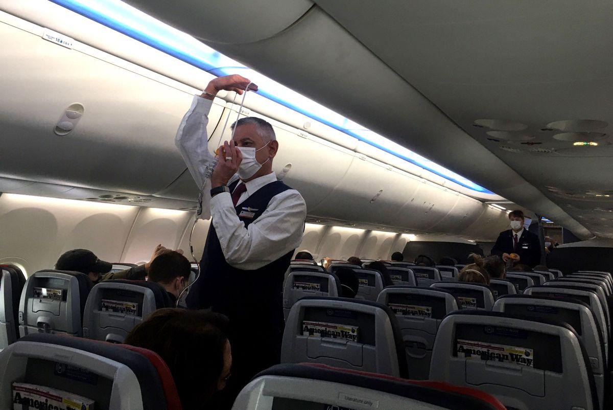 La mayoría de los incidentes registrados se debe a que los pasajeros no quieren acatar el mandato federal del uso de mascarillas durante el vuelo.