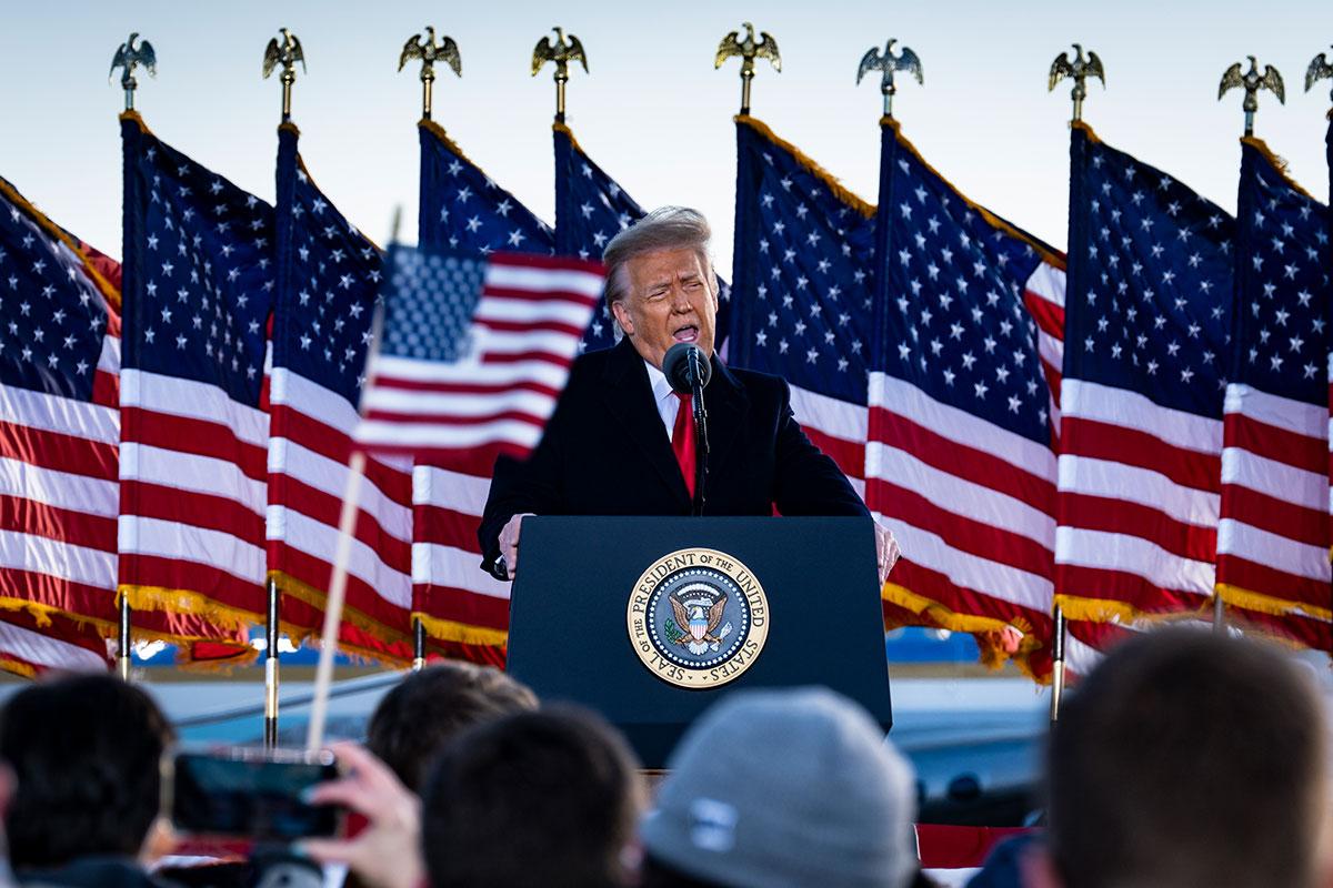 Donald Trump pidió a republicanos oponerse a la comisión que investiga el asalto al Capitolio.