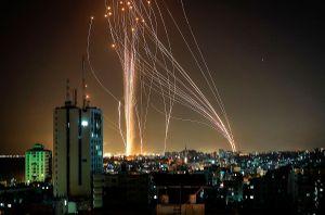 VIDEO: Israel derrumba edificio en Gaza; Hamás responde con ataque en Tel Aviv donde suenan alarmas antiaéreas