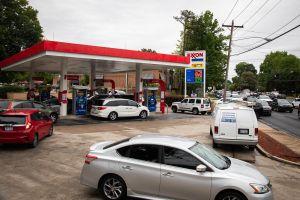 Colonial Pipeline reanuda la totalidad de sus operaciones ocho días después del ciberataque que provocó escasez de gasolina y compras de pánico