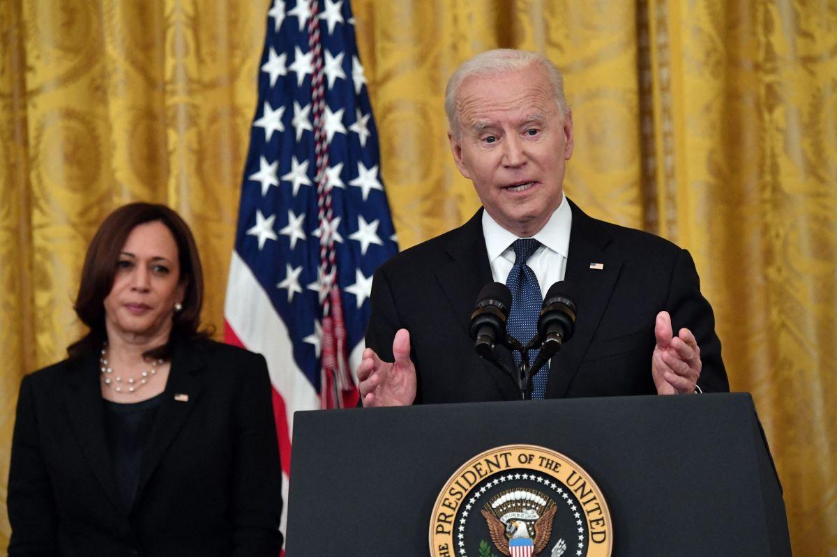 Joe Biden firma la Ley de Crímenes de Odio por COVID-19