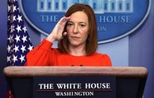 """""""Biden hace lo que quiere porque es el presidente"""" y la frontera importa menos que la pandemia y economía: vocera de la Casa Blanca"""