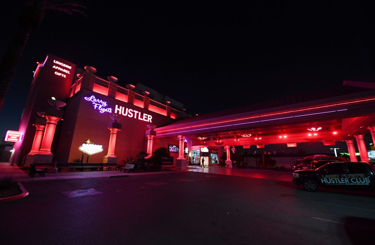 El viernes más de 100 personas se vacunaron en el club de striptease incluyendo el personal y las bailarinas del lugar.