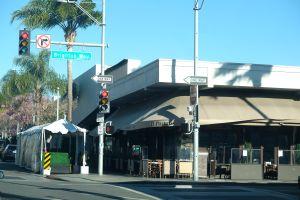 Arrestan a tres pandilleros de Los Ángeles por escandaloso robo en exclusivo restaurante de Beverly Hills