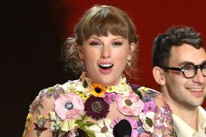 """Reik llama """"mosca muerta"""" a Taylor Swift y las redes sociales critican a la banda"""