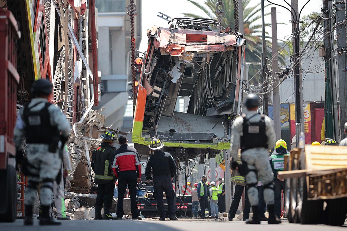 Retiran vagones colapsados de la Línea 12 del Metro de la Ciudad de México