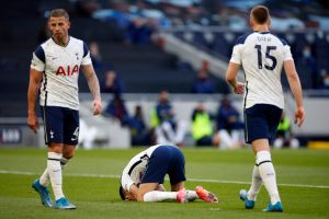 No te lo puedes perder: el Tottenham sufrió el autogol más espectacular de la temporada