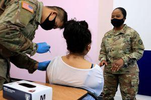 El 99.5 por ciento de las personas que murieron por COVID-19 en Texas desde febrero no estaban vacunadas