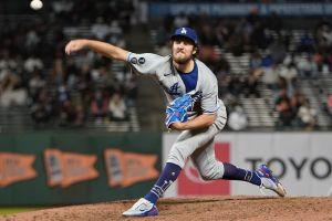 Los Dodgers, en plena racha, vencen a Giants con otra gran actuación de Trevor Bauer