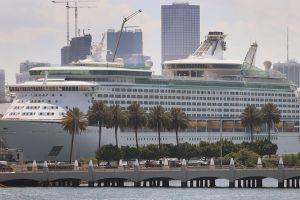Gobierno de Florida gana al gobierno federal en demanda ante imposición de normas contra el COVID-19
