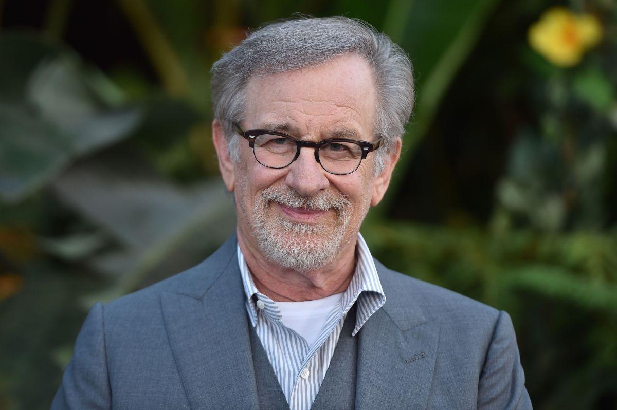 Así es la espectacular casa flotante que Steven Spielberg vende en $160 millones de dólares