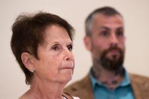 La madre del policía muerto en el asalto al Capitolio aboga por una investigación ante el Congreso