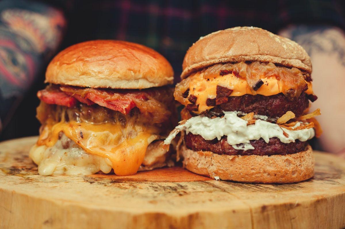 Obesidad, inflamación, colesterol: Los efectos indeseados a largo plazo de las hamburguesas en la salud