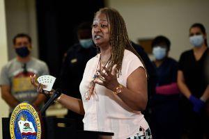 1,000 angelinos podrían empezar a recibir $1,000 al mes con programa de ingreso básico del condado