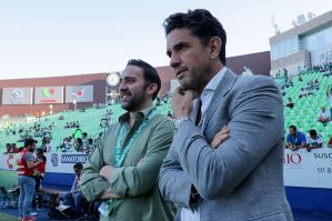 Empresario mexicano planea adquirir a un equipo de Inglaterra o de España